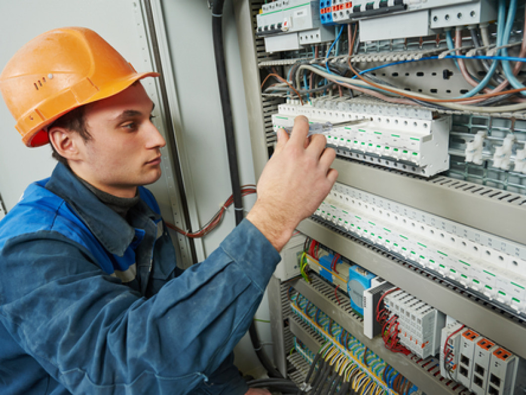 COMMERCIAL ELECTRICIANS IN ELON, NC